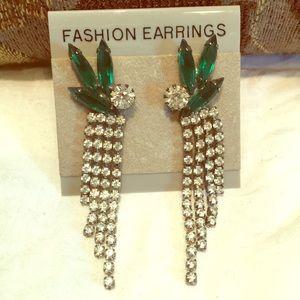 Green cut faceted crystal pierced dangle earrings